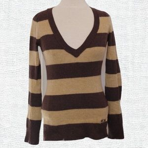 *3 For $25* BCBG Wool Blend Sweater GUC- Sz. Sm
